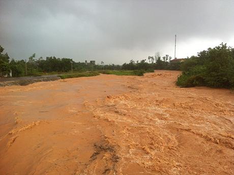 Vỡ đập ở Quảng Ninh: Bộ trưởng Xây dựng yêu cầu tìm nguyên nhân - Ảnh 1