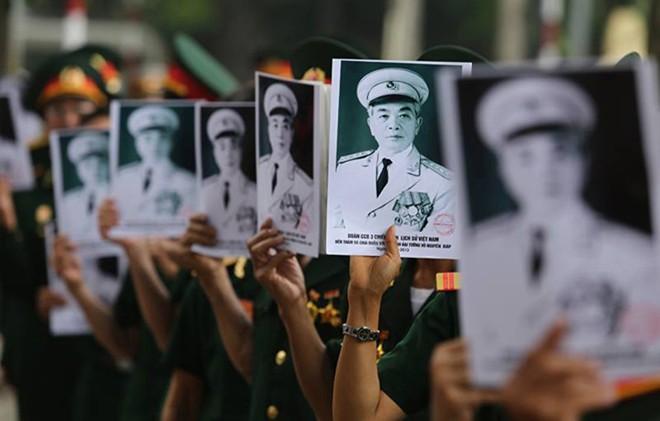 10 hình ảnh khó quên trong lễ tang Đại tướng - Ảnh 2