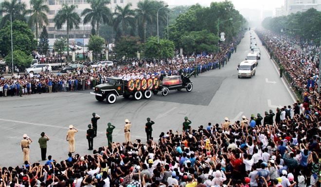 10 hình ảnh khó quên trong lễ tang Đại tướng - Ảnh 8