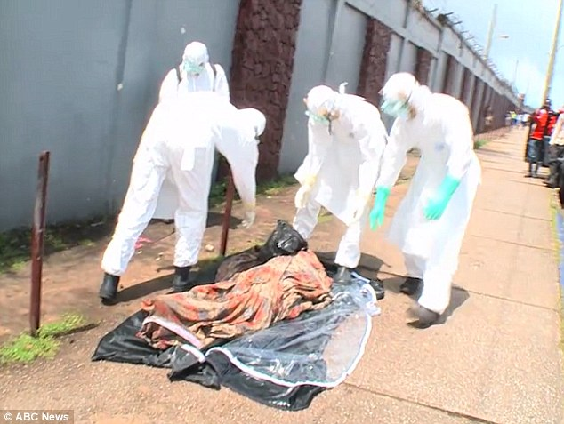 Hoảng sợ thi thể nạn nhân Ebola đột nhiên sống lại - Ảnh 1