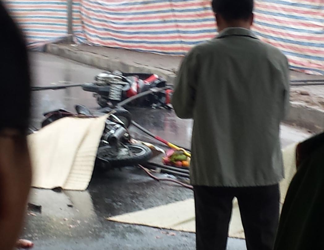 Hà Nội: Đứt dây cẩu ở đường sắt trên cao, 4 người thương vong - Ảnh 1