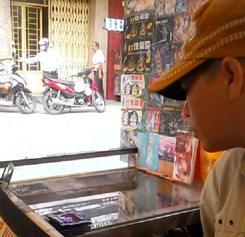 """Phố bán """"thần dược sung sướng"""" ở Sài Gòn - Ảnh 2"""