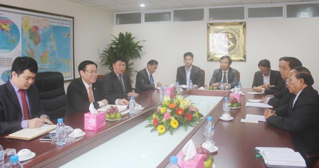 Trưởng Ban Kinh tế Trung ương tiếp Đoàn cấp cao Bộ Tài chính Lào  - Ảnh 1