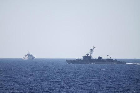 """Tường thuật từ Hoàng Sa: TQ """"gạ"""" tàu VN rút về vì tình hữu nghị - Ảnh 1"""