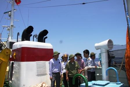 Gặp các kiểm ngư đang bảo vệ chủ quyền Tổ quốc ở biển Đông - Ảnh 5
