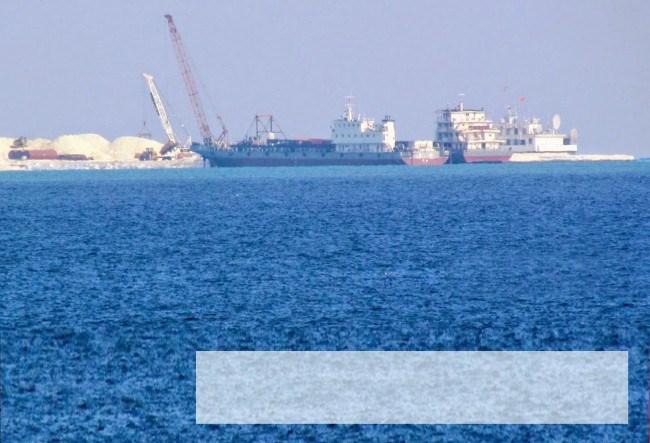 TQ xây dựng trái phép ở Gạc Ma: Nấc thang mới độc chiếm Biển Đông - Ảnh 1