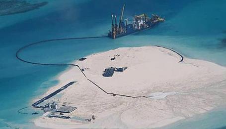 Trung Quốc xây dựng ở Gạc Ma: Bước đi cực kỳ nguy hiểm! - Ảnh 2