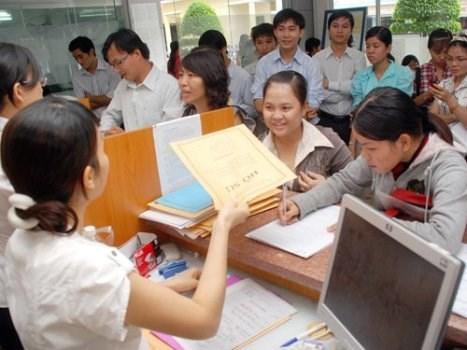 Tốt nghiệp ĐH bằng giỏi có cơ hội được tuyển thẳng vào công chức - Ảnh 1