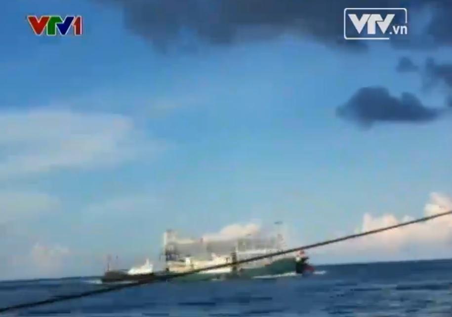 Tin tức Biển Đông: Tàu Trung Quốc hung bạo đâm chìm tàu Việt Nam - Ảnh 2