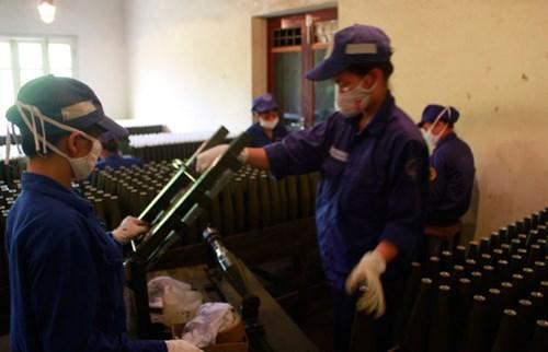 Tận mắt dây chuyền sản xuất đạn pháo ở Việt Nam - Ảnh 1