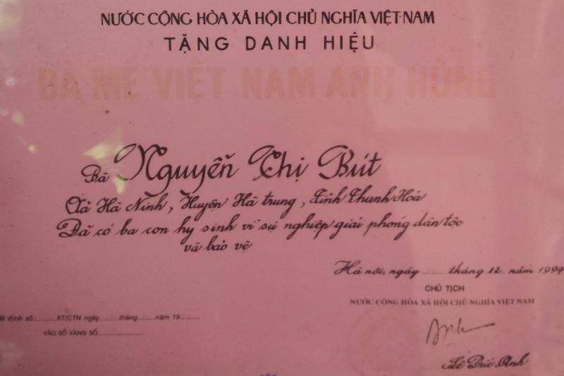 Xót xa con gái dựng lều làm chỗ thờ Mẹ Việt Nam Anh hùng - Ảnh 2