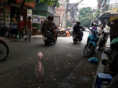 """""""Người ngoài hành tinh"""" ở Hà Nội: Sự thật hay trò lừa đảo? - Ảnh 1"""
