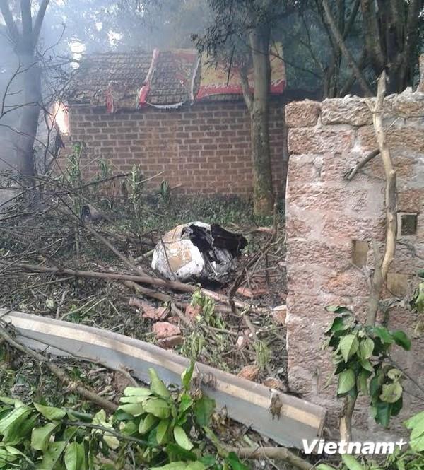 Hình ảnh vụ máy bay rơi ở Hòa Lạc, 17 chiến sỹ hy sinh - Ảnh 4