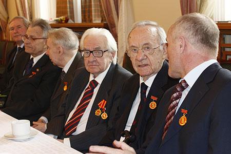 GS, Viện sĩ Nga nói về nhiệm vụ giữ gìn thi hài CT Hồ Chí Minh - Ảnh 1