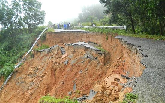 Lạng Sơn: Sạt lở đất, 7 người chết thảm - Ảnh 1