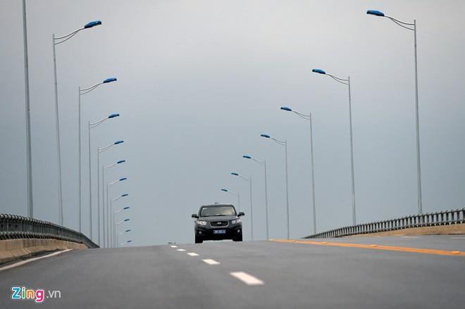 Phong cảnh kỳ vĩ trên tuyến cao tốc dài nhất Việt Nam - Ảnh 17