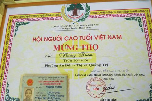 Cuộc sống của cặp vợ chồng 106-104 tuổi ở Việt Nam - Ảnh 4