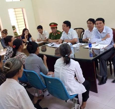 Vụ hỗn chiến bãi ngao:Dân kéo lên tỉnh, Phó chủ tịch ra đối thoại - Ảnh 2
