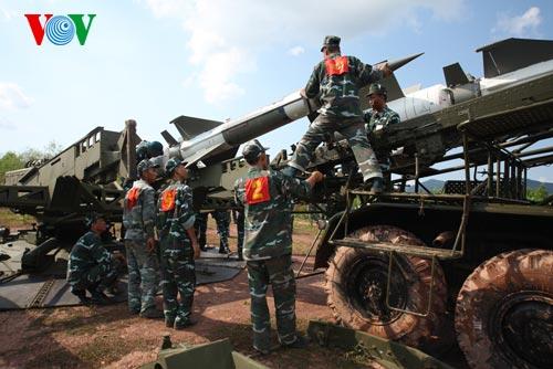 Hình ảnh bắn thành công tổ hợp tên lửa phòng không cải tiến - Ảnh 6