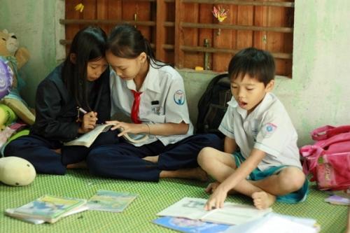 Cảm thương hoàn cảnh ba chị em mồ côi ở Quảng Ngãi - Ảnh 2