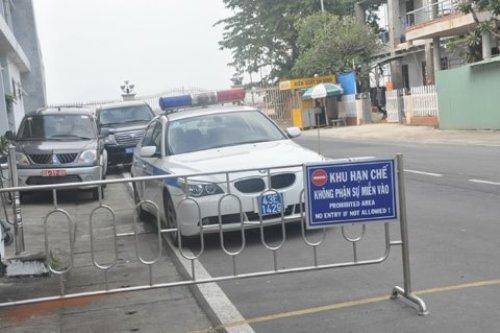 Thắt chặt an ninh sân bay chờ đón ông Nguyễn Bá Thanh - Ảnh 2