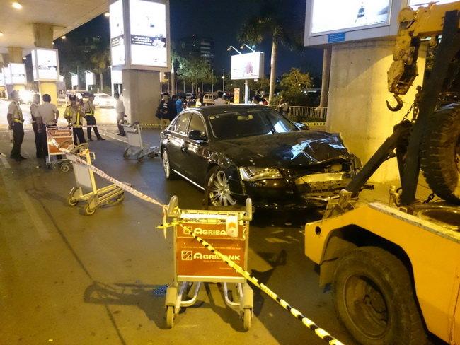 Xe Audi đón ca sĩ Hồ Ngọc Hà gây tai nạn, 11 người bị thương - Ảnh 1