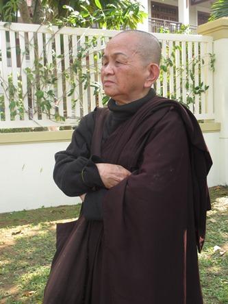 Chùm ảnh: Người dân Đà Nẵng khóc thương ông Nguyễn Bá Thanh - Ảnh 5