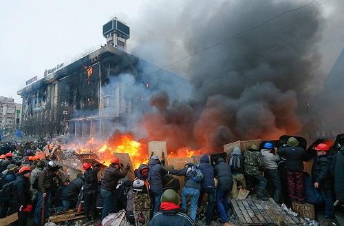 Tổng thống Pháp lo Ukraina sa vào nội chiến - Ảnh 1