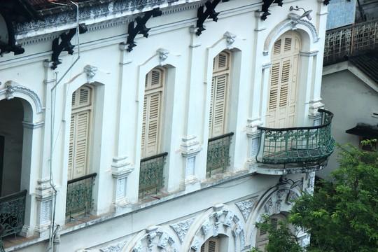 Biệt thự 100 tuổi giữa Sài Gòn được rao bán hơn 700 tỷ - Ảnh 10