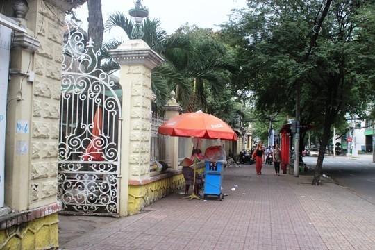 Biệt thự 100 tuổi giữa Sài Gòn được rao bán hơn 700 tỷ - Ảnh 4