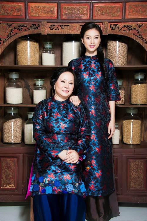 Ngắm những bà mẹ xinh đẹp, trẻ trung của sao Việt - Ảnh 14