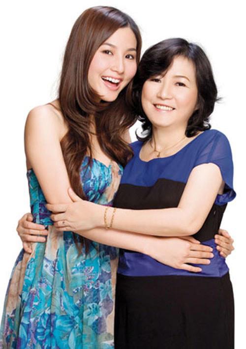 Ngắm những bà mẹ xinh đẹp, trẻ trung của sao Việt - Ảnh 3