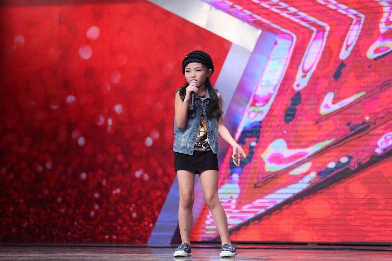 """Vietnam's Got Talent: Thúy Hạnh """"lên nóc nhà"""" cùng """"Thánh quẩy"""" - Ảnh 8"""