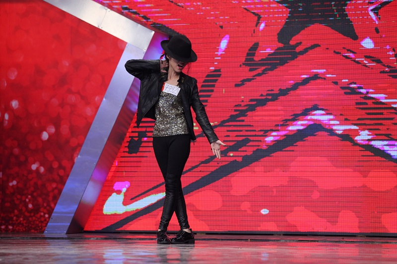 """Vietnam's Got Talent: Thúy Hạnh """"lên nóc nhà"""" cùng """"Thánh quẩy"""" - Ảnh 3"""
