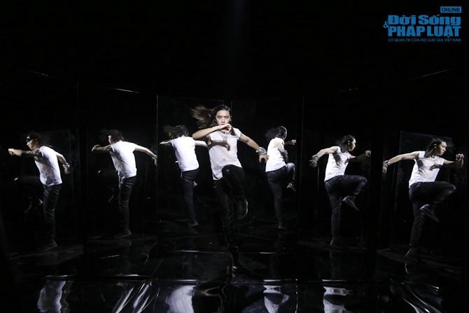 """Xuân Lan hóa """"phù thủy quyền lực"""" trong Vietnam's Next Top Model - Ảnh 9"""