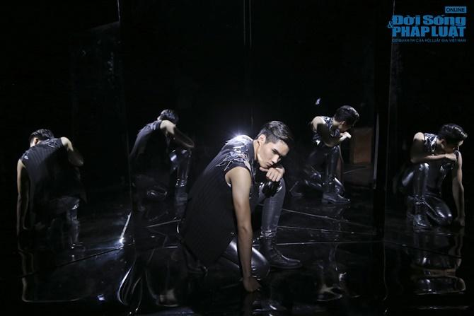 """Xuân Lan hóa """"phù thủy quyền lực"""" trong Vietnam's Next Top Model - Ảnh 11"""
