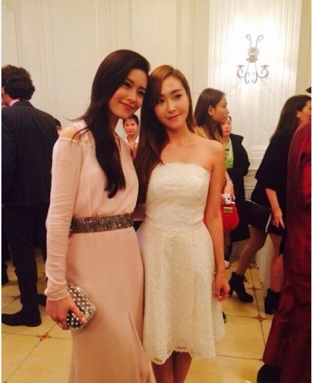 Jessica khoe ảnh cùng ngôi sao bóng rổ Yao Ming - Ảnh 2
