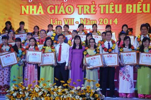 Tuyên dương gần 200 nhà giáo trẻ tiêu biểu của TP. HCM - Ảnh 1