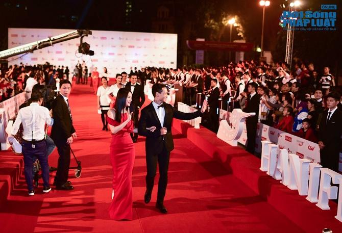 Dàn sao lộng lẫy trên thảm đỏ LHP Quốc tế Hà Nội 2014 - Ảnh 3
