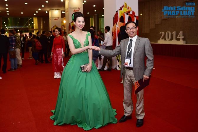 Dàn sao lộng lẫy trên thảm đỏ LHP Quốc tế Hà Nội 2014 - Ảnh 12