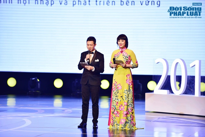 Dàn sao lộng lẫy trên thảm đỏ LHP Quốc tế Hà Nội 2014 - Ảnh 13