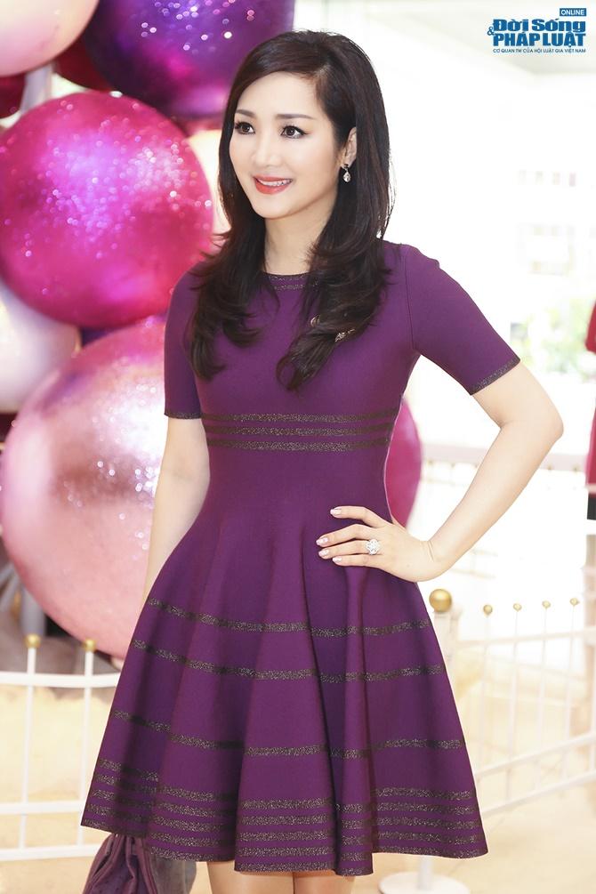 Hoa hậu Giáng My trẻ trung xinh đẹp đi làm MC - Ảnh 1