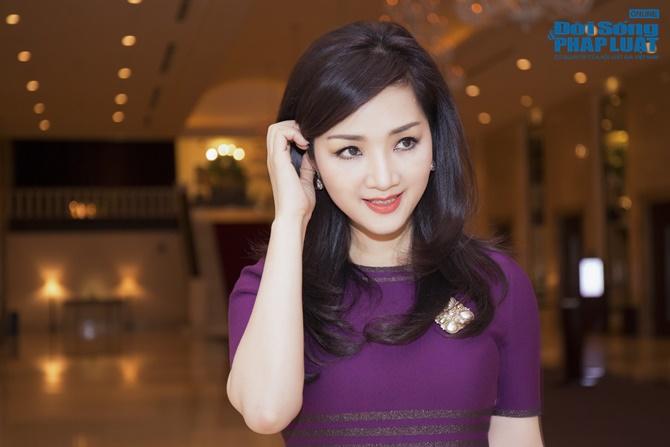Hoa hậu Giáng My trẻ trung xinh đẹp đi làm MC - Ảnh 8