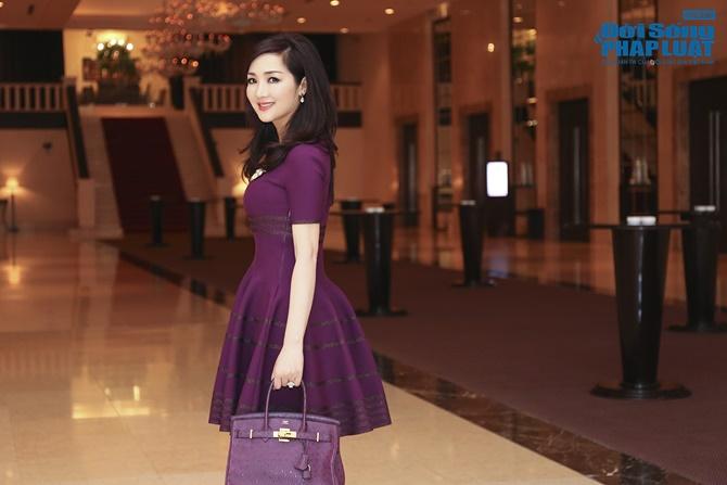Hoa hậu Giáng My trẻ trung xinh đẹp đi làm MC - Ảnh 7