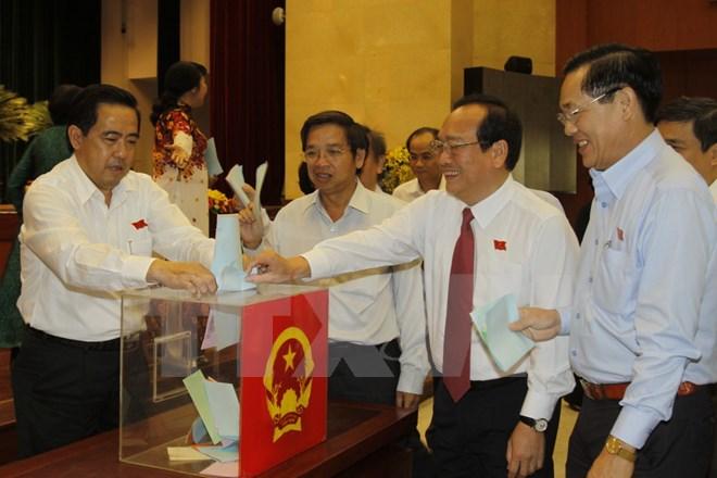 TP. HCM công bố kết quả lấy phiếu tín nhiệm 18 lãnh đạo chủ chốt - Ảnh 1