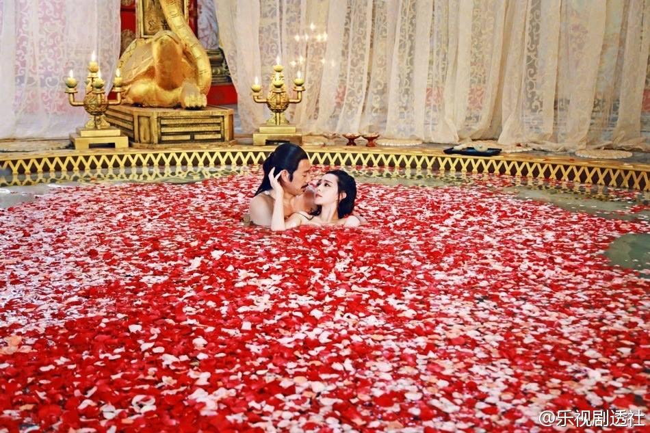 Lộ ảnh nóng của Phạm Băng Băng trong bồn tắm  - Ảnh 6