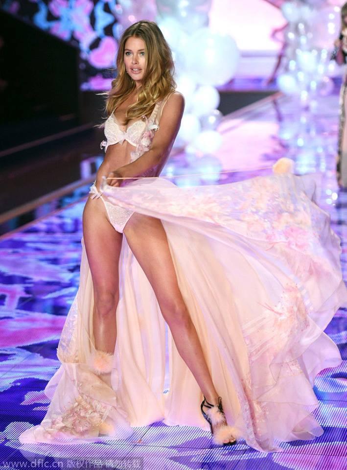 Victoria's Secret Fashion Show 2014:Thiên thần lung linh tỏa sáng - Ảnh 12