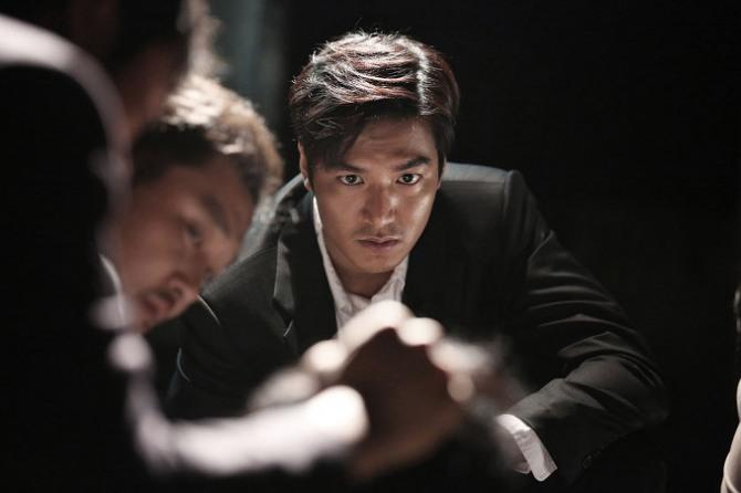 """Những nam thần xứ Hàn """"tấn công"""" màn ảnh rộng trong tháng 1 - Ảnh 3"""