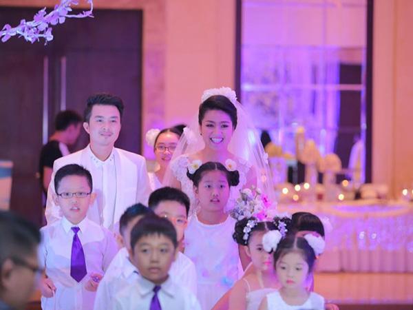Lê Khánh - Tuấn Khải ngập tràn hạnh phúc chào đón năm mới 2015 - Ảnh 2