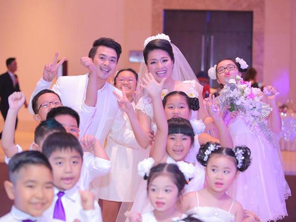 Lê Khánh - Tuấn Khải ngập tràn hạnh phúc chào đón năm mới 2015 - Ảnh 3